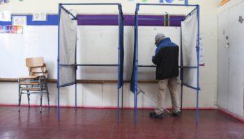 Solo 2 de cada 10 personas del padrón votó este domingo: participación fue de un 19,61%