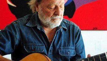 A los 84 años fallece Patricio Manns, escritor y cantautor clave de la Nueva Canción Chilena